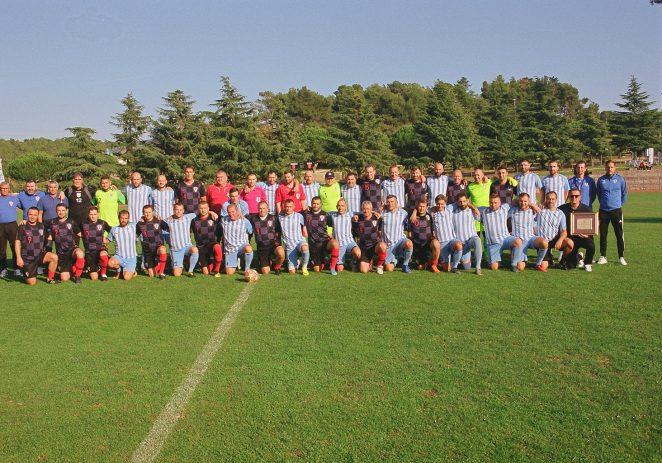 Veterani NK Jadran odigrali revijalnu utakmicu protiv selekcije veterana HNS-a