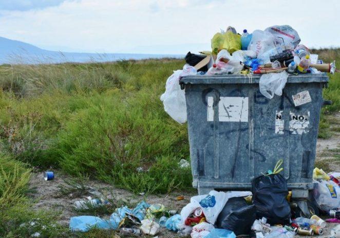NOVI UDAR NA GRAĐANE Poskupljenja i do 1.300 posto! Odvoz smeća skuplji za većinu kućanstava