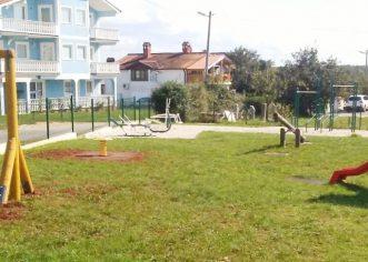 Grad Poreč nastavlja sa uređivanjem dječjih igrališta u naseljima na području Grada