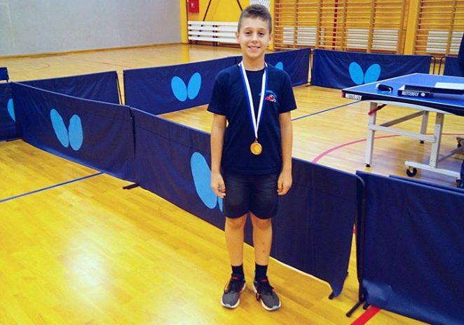 Raul Vojinović osvojio broncu za Stolnoteniski klub Tar na regionalnom turniru