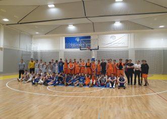 Porečki košarkaši odigrali prijateljski turnir sa kolegama iz Danske i iz Kopra