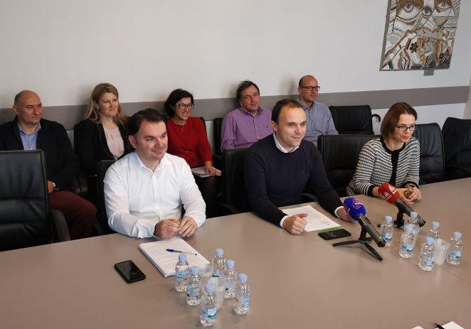 """Gradonačelnik sa suradnicima predstavio prijedlog Poračuna Grada Poreča za 2020. godinu """"teškog"""" 301 milijun Kuna"""