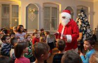 I ove godine za blagdane pokloni za 1400 najmlađih Porečana – Obavijest i poziv roditeljima da izvrše provjeru popisa djece zbog dobivanja poklona Djeda Mraza