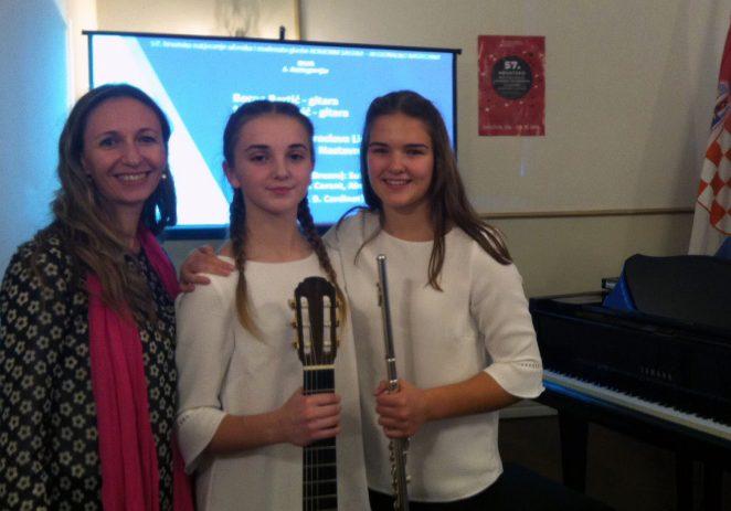 Učenice Umjetničke škole Poreč, Mia Janko i Chiara Vukadinović osvojile I. nagradu na regionalnom natcjeanju i pravo nastupa na Državnom prvenstvu
