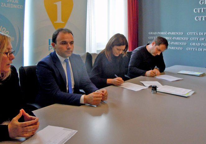 "DND Poreč i Zaklada za poticanje partnerstva i razvoj civilnog društva potpisali ugovor o financiranju projekta ""Hižica puna priča"" DNDa Poreč i Gradske knjižnice Poreč"