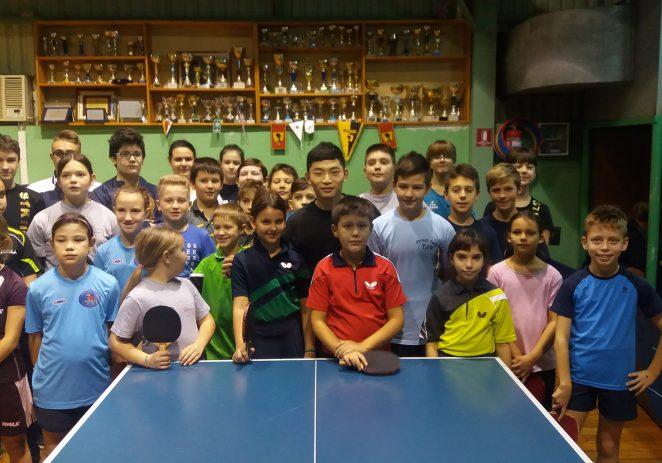 Kineski stolnoteniski trener u Vrsaru