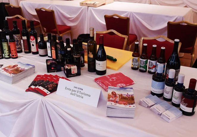 U novom vodiču Flos Olei među 500 svjetskih uvrštenih maslinara, 77 je iz Istre ! Tvrtka Olea BB svjetski je pobjednik u klasi 'Tvrtka sa srcem'