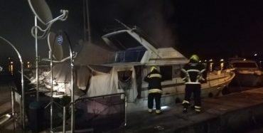 Brzom intervencijom porečkih vatrogasaca ugašen požar na jahti u Marini Parentium