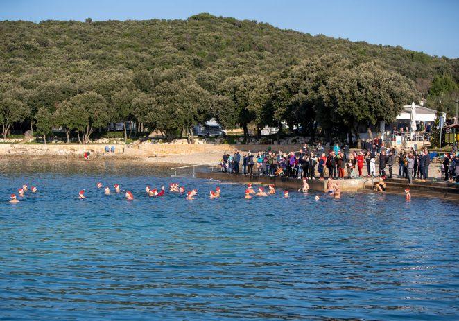 Božićno kupanje u vrsarskom kampu Porto Sole