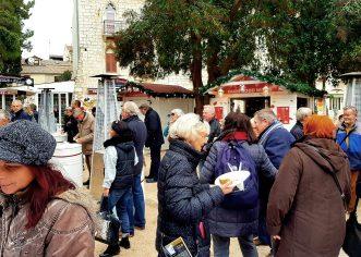 Na Badnjak besplatni bakalaj i vino, Sergio Pavat, Orchestre Istriane i Baredinesauri već od 10 prije podne