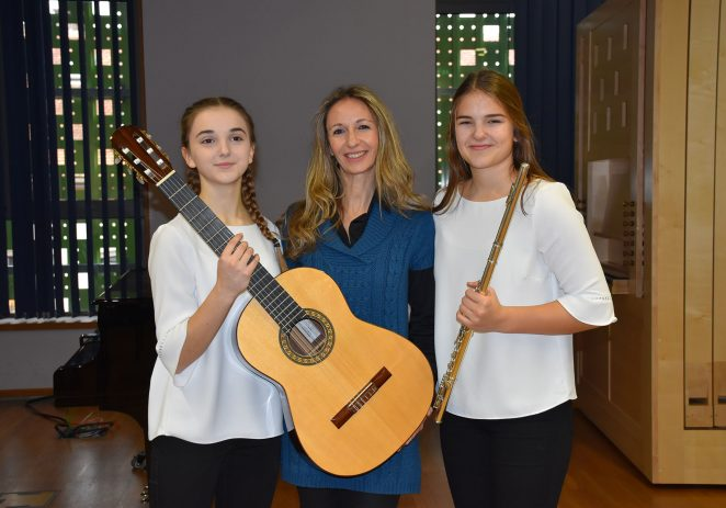 Mia Janko i Chiara Vukadinović iz Umjetničke škole Poreč osvojile 1. nagradu na Državnom natjecanju u Zagrebu
