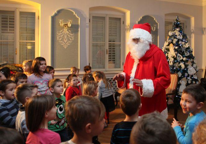 Počinje Porečka bajka, pokloni i predstave za 1400 najmlađih uz Djeda Mraza i vilenjake u Villi Polesini