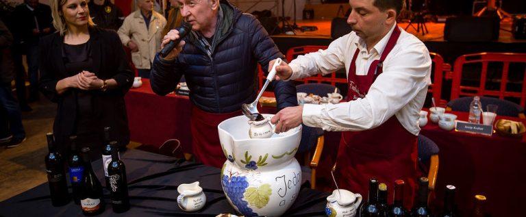 7Festival istarske supe u Rovinjskom Selu_19012020_najveca istarska supa 20 lit