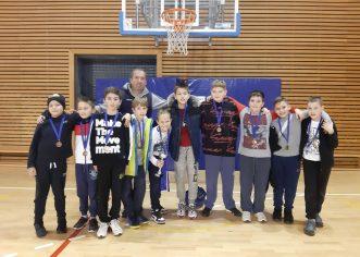 Dječaci Košarkaškog kluba Poreč započeli novu godinu turnirom u Pazinu i osvojili brončanu medalju