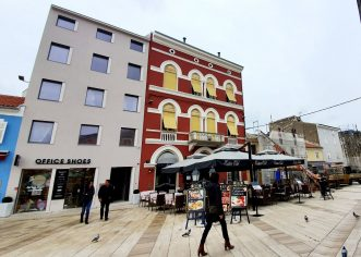 Obnovljen krov i fasada stoljetne zgrade Zajednice Talijana Poreč