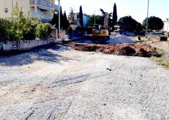 U tijeku je izgradnja prometnice u Velom Maju i nasipavanje puteva u Vranićima