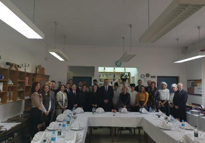 Ministrica poljoprivrede Marija Vučković posjetila Turističko-ugostiteljsku školu Antona Štifanića