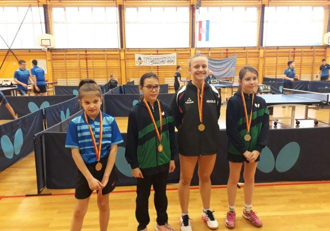 Stolnotenisačice Vrsara nastupile na seniorskom prvenstvu Hrvatske u Varaždinu