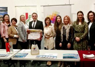 """Poreču dodijeljena nagrada """"Grad-prijatelj ženskog poduzetništva"""" na Kongresu poduzetnica u Zagrebu"""