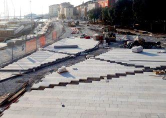 Uređenje rive u Poreču: u tijeku postavljanje novog popločenja i dovršetak podzemne infrastrukture