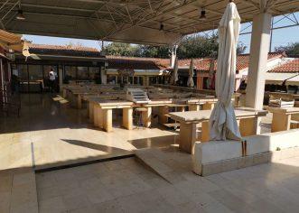 Od utorka se OTVARAJU pojedini poslovni prostori i stolovi na porečkoj tržnici