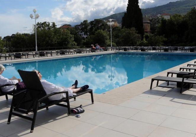Veljko Ostojić o tome kako bi mogli raditi hotelski restorani, bazeni, plaže…