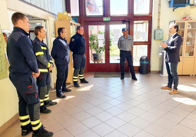 Gradonačelnik Peršurić čestitao dan Sv. Florijana porečkim vatrogascima