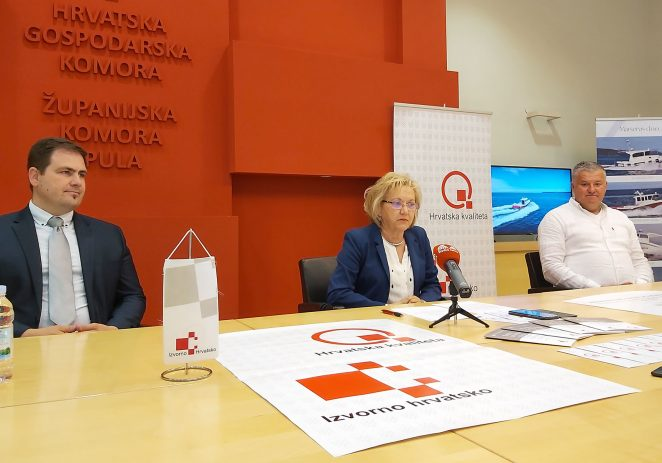 """Plovila tvrtke Marservis d.o.o. novi su nositelji znakova kvalitete  """"Hrvatska kvaliteta"""""""