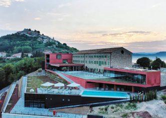 Ove subote, 1. kolovoza Motovun ponovo postaje mjesto vrhunskog gourmet doživljaja uz novo izdanje Roses & Wine