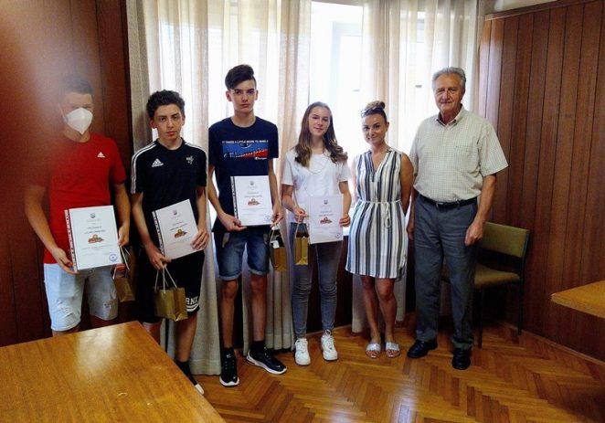 Načelnik Općine Kaštelir upriličio prijem za odlične učenike Područne škole Kaštelir 2019/2020