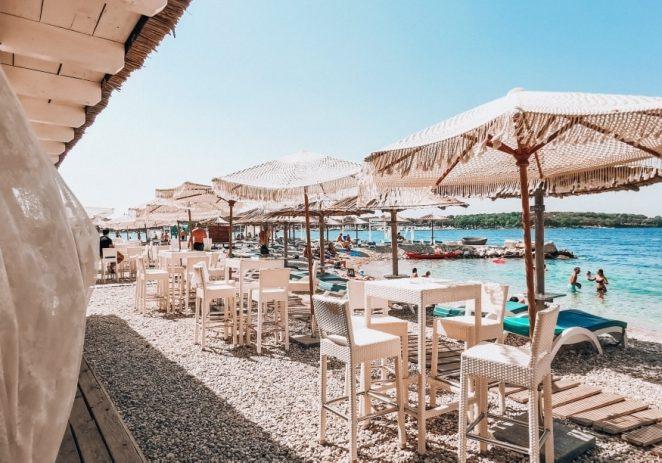 Stožer civilne zaštite Istre i Državni inspektorat danas zatvorili već zatvoreni beach bar u Funtani :)?