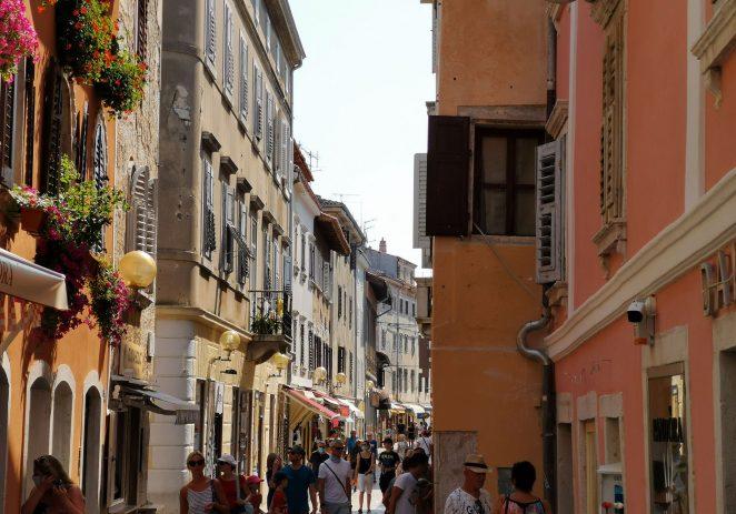 U Poreču u srpnju evidentirano 64.562 turista što je 55% u odnosu na prošlu godinu