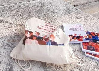 Predstavnice Centra za građanske inicijative Poreč uručile promotivne materijale vezane za borbu protiv seksizma predstavnicama Grada Poreča