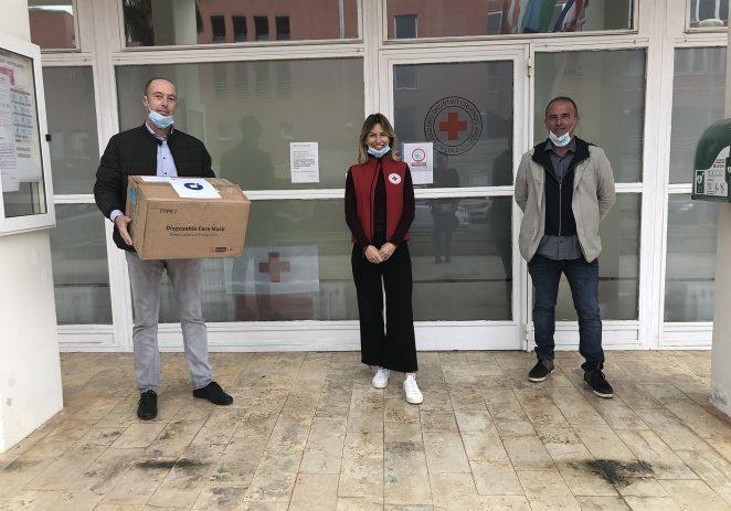 Porečki obrtnici donirali medicinske zaštitne maskice Crvenom križu Poreč i dječjim vrtićima Poreštine