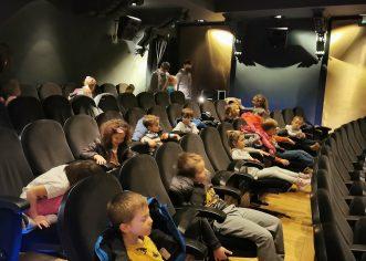 """Porečko kazalište ispunjeno dječjim smijehom – odigrane predstave u sklopu EU projekta """"Volim zdravo, volim ribu"""" i """"More na pjatu"""""""