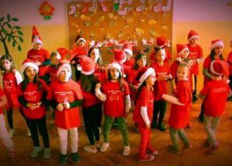 Učenici Osnovne škole Poreč žele vam sretan Božić (video priredbe)