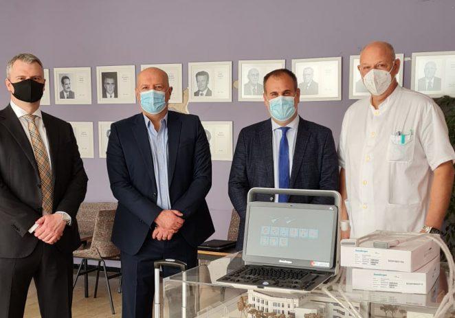 Kompas d.d. i mStart uručili Klinici za dječje bolesti Zagreb ultrazvučni uređaj SonoScape E2