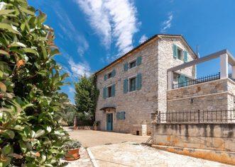 """Jasmin Šabić (Istria Home) : """"Svoju uslugu online prijave i beskontaktnog preuzimanja kuće za odmor od strane gostiju ove sezone širimo na 500 objekata širom istre!"""""""