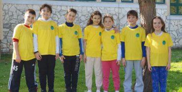 """Istarsku """"virtualnu"""" školsku kros ligu trčali i brojni učenici osnovne škole V. Nazora iz Vrsara"""