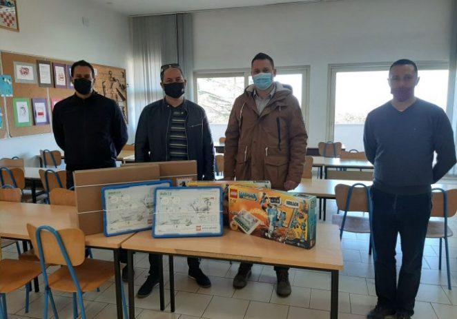 Kaštelir – Labinci: Nezavisna lista Marka Knezocija donirala 12.000 kuna područnoj školi Kaštelir
