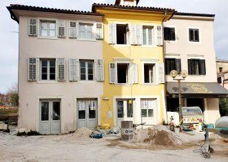 U starogradskoj jezgri u tijeku obnova nekoliko zgrada, uređenje heritage hotela, postavit će se i novi smjerokazi
