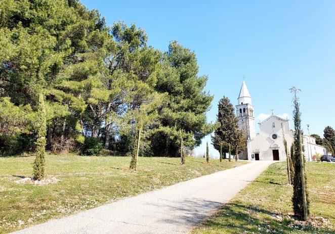 Nakon izgradnje novog vrtića u Dračevcu, te obnove ceste Mugeba-Fuškulin i širenja groblja Fuškulin, prioritet dovesti kanalizacijsku mrežu u preostala naselja