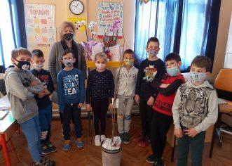 """Učenici OŠ Joakima Rakovca iz Svetog Lovreča sudjelovali su u akciji """"Zasadi stablo, ne budi panj!"""""""