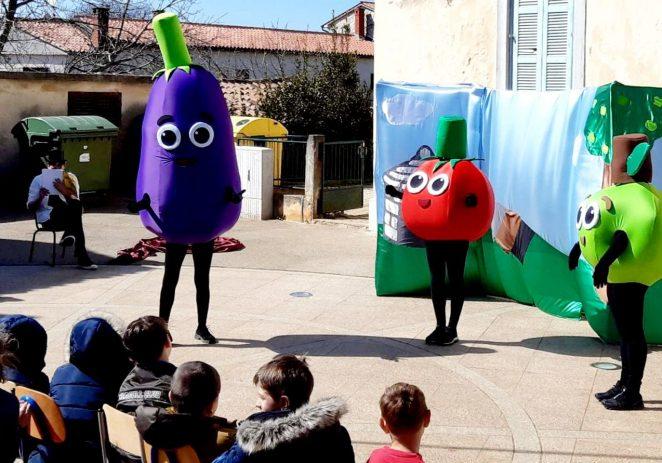 """Projekt """"Domaće od malih nogu"""" u vrtićima i školama Poreča potiče najmlađe na konzumaciju domaćeg voća i povrća"""