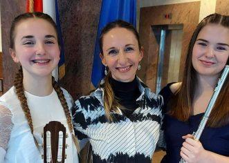 """Učenice Umjetničke škole Poreč, Chiara Vukadinović i Mia Janko dobitnice ovogodišnje nagrade """"Oskar znanja za 2020 godinu"""""""