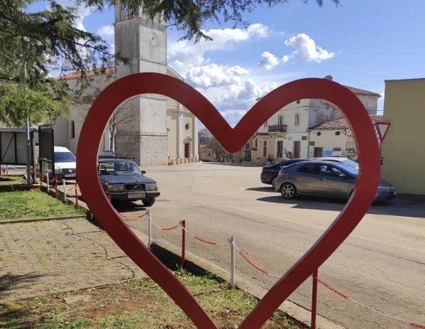 Kovano srce za uspomene i sjećanja s ljubavlju iz Kaštelira