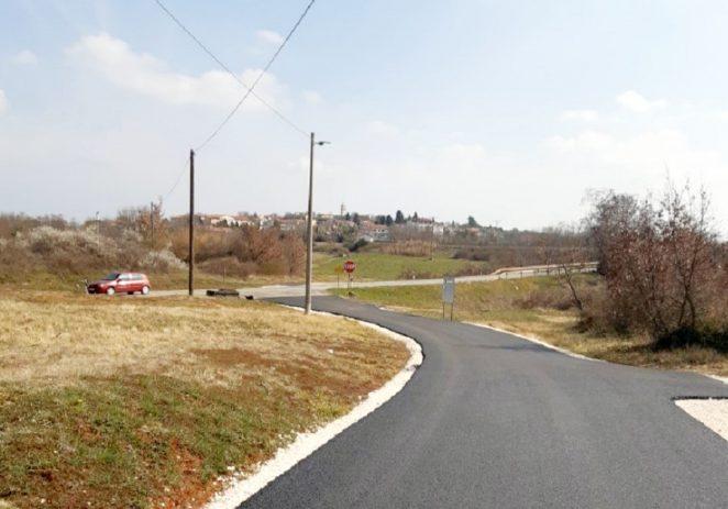 Asfaltirana cesta prema naselju Danci i ceste u Baderni