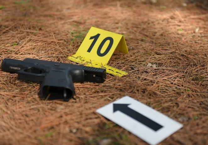 Porečka policija uhitila dvojac koji je pištoljem prijetio 39-godišnjaku