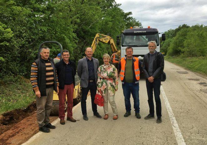 Priprema ljetne sezone u punom jeku: radovi na sanaciji ceste Medvidići-Sveti Lovreč u trajanju 90 dana za 1,55 km ?!