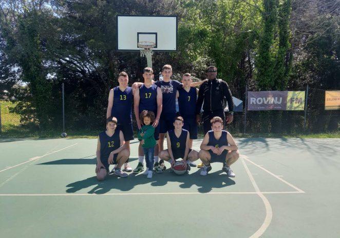 Dječaci i kadeti košarkaškog kluba Poreč na 2. turniru Županijske lige